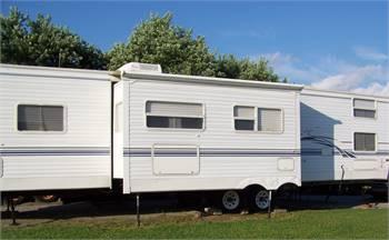Keystone 38 Foot Camper- Excellent Condition