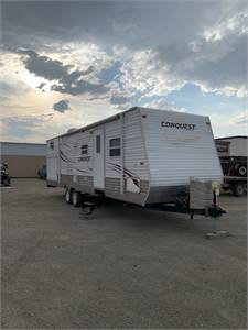 Camper with bunks AND an outdoor kitchen