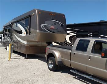 Turn-key Ready 42 ft, 5th wheel WITH motorcycle lift