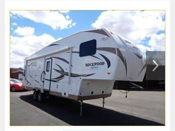 Forest River Rockwood Signature Ultra Lite 5th wheel