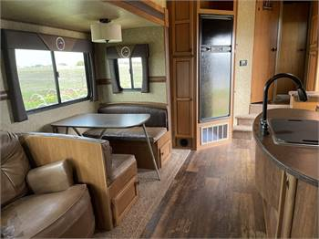 Crossroads Hill Country Fifth Wheel